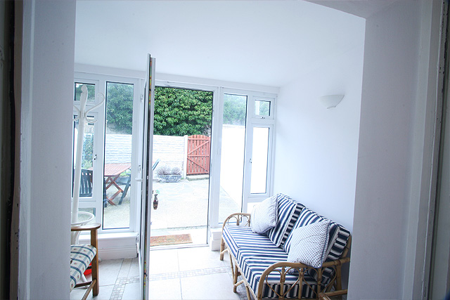 cottage-image2-lrg1